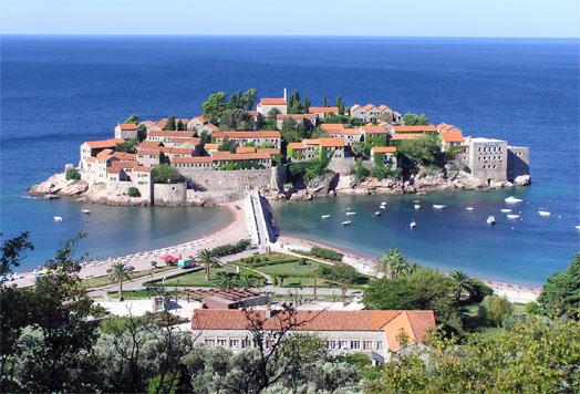 остров на берегу Черногории
